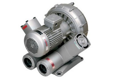 Side channel vacuum pumps